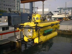 Perry submersible in Florida at dock
